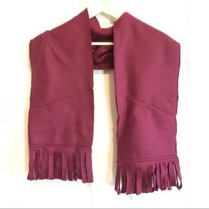 Maroon felt scarf with pockets!!
